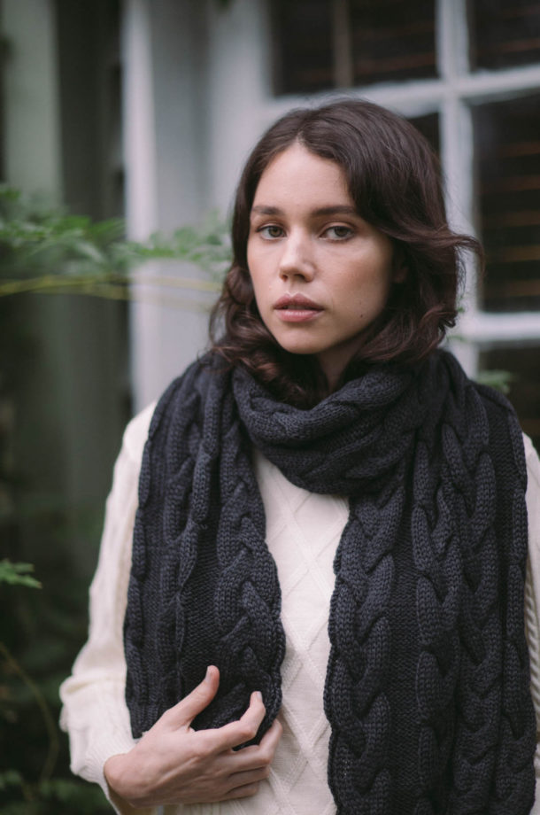 Cable-Scarf-Charcoal-E-Shop-Jude1