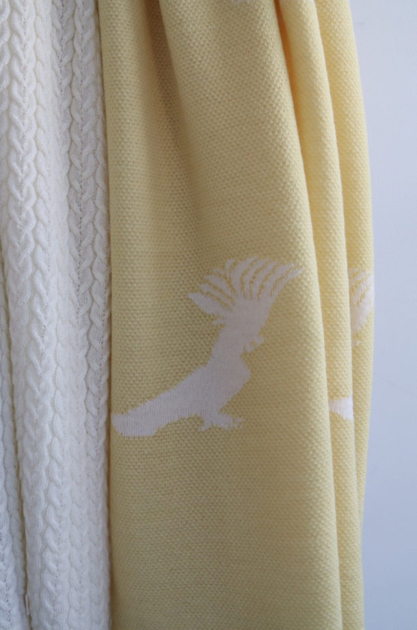 Squawk!-Baby-Blanket-Yellow-Jude-E-shop-CU